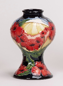 Moorcroft Pottery Forever England 04/6